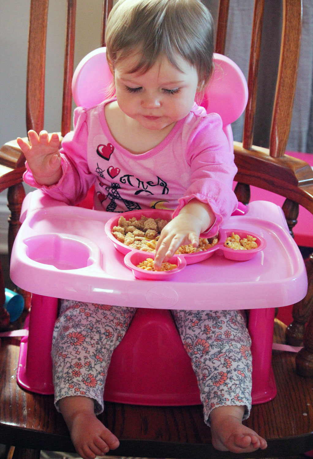 The First Years Minnie Mouse Feeding Seat Review | Bottles & Banter