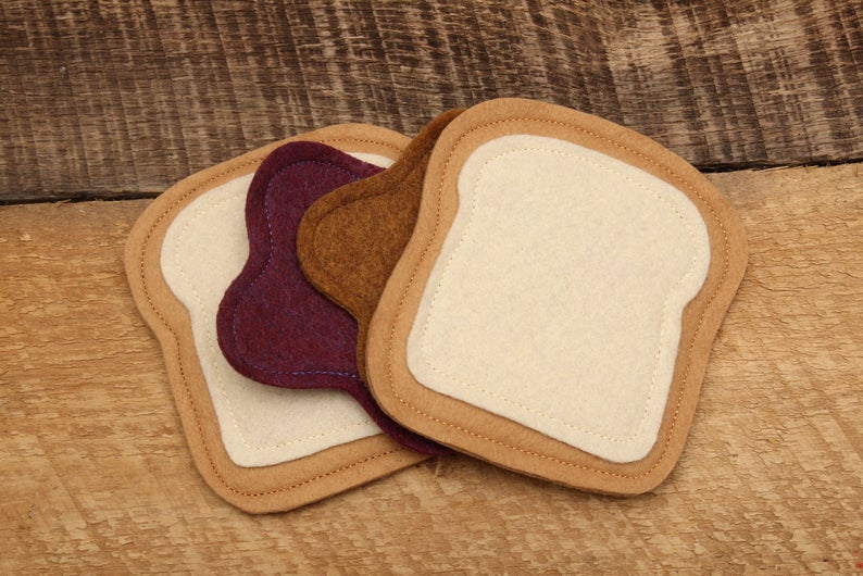 Felt peanut butter and jelly sandwich for toddler pretend play